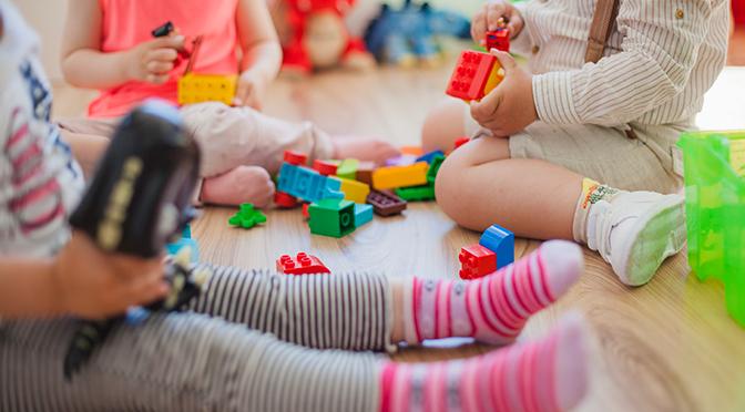 ΟΑΕΔ: Επισκέψεις παιδιάτρων σε βρεφονηπιακούς σταθμούς