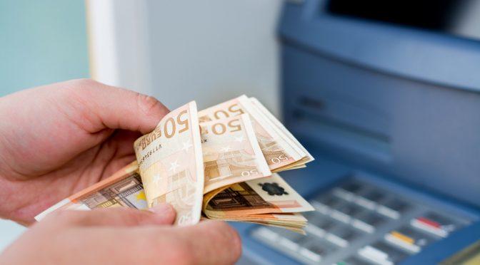 Συντάξεις και επιδόματα: Ποια πληρώνονται και πότε